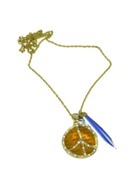 Long necklace in gold colour with anchor and piece